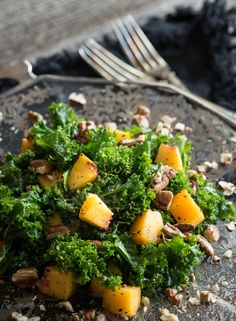Peach & Kale Salad with Maple Miso Vinaigrette (high raw, vegan)