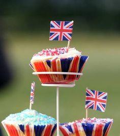 London Party Inspiration Board by Bella Bella Studios - photo via british food - Yum! Queens Birthday Party, Queen 90th Birthday, Happy Birthday, St Georges Day Cakes, British Decor, London Party, British Summer, British Party, Tea Snacks