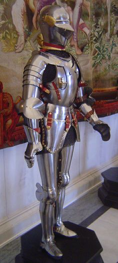 Ethnographic Arms & Armour - Important Late Medieval Armor at the Hofburg Vienna
