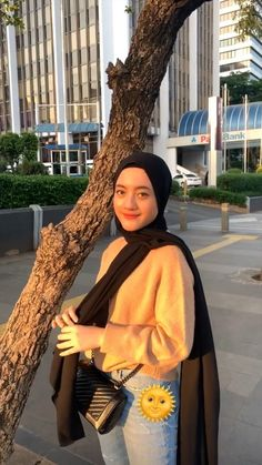 Casual Hijab Outfit, Ootd Hijab, Hijab Chic, Casual Fall Outfits, Hijab Fashion Summer, Street Hijab Fashion, Muslim Fashion, Ootd Poses, Hijab Fashion Inspiration