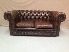 Canapé chesterfield marron 2 places #vintage #canapé #sofas