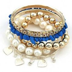 Pretty blue stone bracelet which is fashionable and young and fun. Wear if anywhere and with any look.