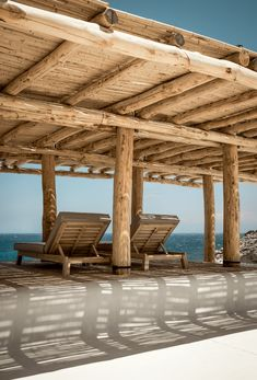 22 Photos Of A Luxurious Mykonos Beach Club With Gorgeous Design Pergola Cost, Cheap Pergola, Outdoor Pergola, Pergola Plans, Outdoor Rooms, Outdoor Living, Pergola Attached To House, Pergola With Roof, Patio Roof