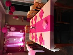 Table for pink party Pink Parties, Table Settings, Party Ideas, Cakes, Table Top Decorations, Place Settings, Ideas Party, Pastries, Torte