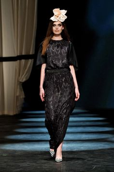 By Malene Birger Fall 13 RTW- out of 84 looks, I only kind of like this one. Quality over quantity, dahling.
