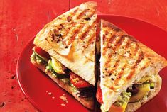 Mediterranean Vegetable Panini With Feta Pesto Grape Tomato Recipes, Healthy Dinner Recipes, Vegetarian Recipes, Roasted Grape Tomatoes, Grilled Artichoke, Panini Recipes, Grilled Zucchini, Pesto Recipe, Toasted Almonds
