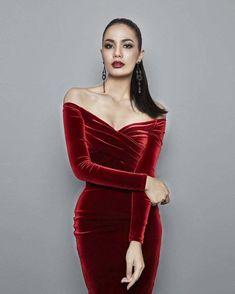 84869122eb 2017 negro rojo de hombro Slash Masajeadores de cuello hasta la rodilla de  terciopelo mujeres verano