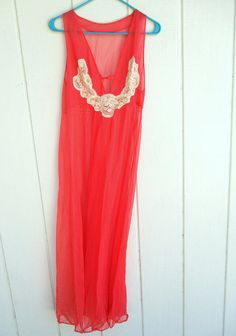 4a98e8cc6e Vintage Kayser USA Coral Chiffon Long Gown Nightgown Nightie Lingerie Size  Medium