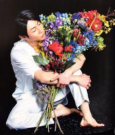 Masaki + Flowers Makes me Happy <3