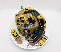 Construction site cake - by Cynthia Jones @ CakesDecor.com - cake decorating website