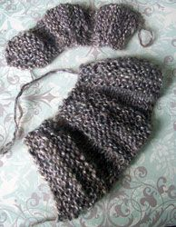 Variation of a short-row welted ruffle.- Cast on 9 sts. Row 1: Knit. Row 2: P6 and turn, k6. Row 3: P6, k3. Row 4: K3, p6. Row 5: K6 and turn, p6. Row 6: Knit.- Repeat these 6 rows for your desired length.