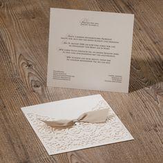 Scherenschnitt Hochzeitseinladung mit Barock-Muster und Satinband