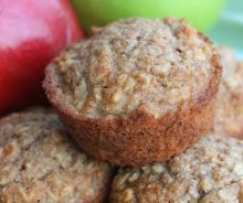Healthy Applesauce Oat Muffins are the BEST healthy snack--my whole family loves them, including my kids. AND they're FREEZER FRIENDLY! Tastes Better From Scratch Good Healthy Snacks, Healthy Muffins, Healthy Treats, Healthy Baking, Recipes With Oats Healthy, Quick Oat Recipes, Healthy Man, Easy Snacks, Healthy Kids