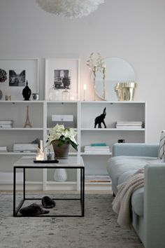 nice homes interior Ikea Inspiration, Living Room Inspiration, Interior Inspiration, Living Room Interior, Living Room Decor, Living Spaces, Beautiful Interior Design, Home Interior Design, Billy Ikea
