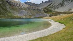 Lac de l'Ascension à 2306 m. Guillestrois. Fait partie des Lacs de l'Ascension. Au départ du Lauzet, au-dessus de La Roche-de-Rame.