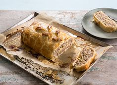 For a warm and filling lunch or dinner time treat, discover our recipe for a pork, apple and wholegrain mustard roll, made with Jus-Rol puff pastry.