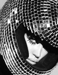 #retrofuturistic #statementlashes #mod #blackandwhitephoto #discoball #helmut