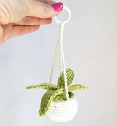 Reposted from - How about this adorable rear view window plant hanger? It's the only plant that won't die in the car! 😄 This pattern is available for free - please check out the link in my bio! Crochet Car, Kawaii Crochet, Crochet Cactus, Crochet Home, Crochet Gifts, Cute Crochet, Crotchet, Crochet Flower Patterns, Crochet Designs