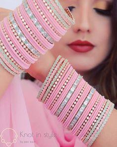 Indian Bridal Jewelry Sets, Bridal Jewelry Vintage, Bridal Bangles, Indian Jewelry, Antique Jewellery Designs, Fancy Jewellery, Indian Jewellery Design, Thread Bangles Design, Silk Thread Bangles