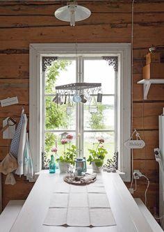 Home Interior Design, Interior And Exterior, Interior Decorating, Knotty Pine Decor, Swedish Interiors, Wooden Cottage, Cottage Plan, Cottage Design, Retro Home