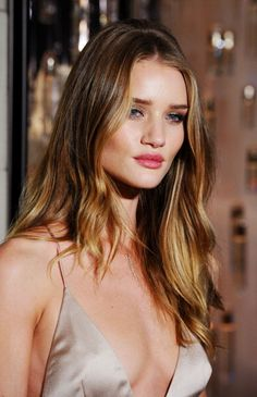 Tortoise shell hair (or Ecaille) is the new Ombré. Click through for more examples of this summer's hottest hair color and how to talk to your stylist about it.