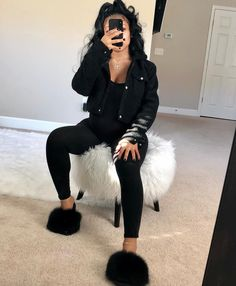pregnancy outfits casual 847239748631834101 - Here's some cute outfit inspiration for our glamorous Black Fur Slides 😍! Link is in my bio 🚨! Source by darkskin__ Cute Maternity Outfits, Cute Swag Outfits, Stylish Maternity, Pregnancy Outfits, Dope Outfits, Fashion Outfits, Chill Outfits, Winter Swag Outfits, Pregnancy Goals