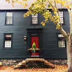 Walking around in the crisp fall air makes the sight of a New England home, just that much cozier ☕️ Meet TCC Member @mollie_surprenant #thetcccrew #newengland #home