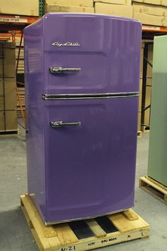 Retro Purple Fridge would be perfect if I was a diff colour lol right Jesse ? Shades Of Purple, Deep Purple, Magenta, Bright Purple, Periwinkle, Bright Colors, Purple Home, Purple Stuff, All Things Purple