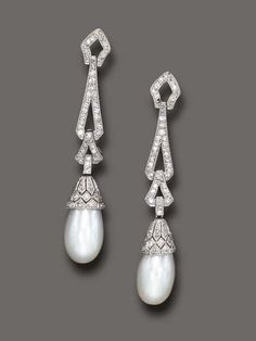 Art Deco Earrings, 1925, Diamonds & pearls.