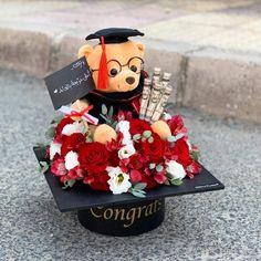 Graduation Bouquet, Graduation Flowers, Diy Graduation Gifts, Graduation Party Centerpieces, Graduation Party Planning, College Graduation Parties, Graduation Cap Decoration, Grad Parties, Homemade Gifts