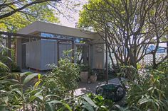 Paisagismo de Thiago Pessuto no entorno da Casa de Vidro na Casa Cor São Paulo 2016.