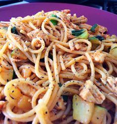 12 Minute Leftover Chicken & Zucchini Pasta