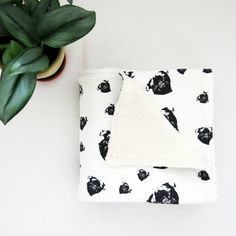 Organic Cotton Nursery Blanket With Pug Print, Baby Boy Blanket, Blanket For Baby Girls, Tummy Time Baby Shower Themes, Baby Shower Gifts, Plush Baby Blankets, Baby Security Blanket, Gender Neutral Baby Clothes, Organic Baby Clothes, Tummy Time, Baby Prints, Themed Nursery