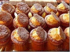 Romanian Food, Vanilla Cream, Muffin Recipes, Mini Cakes, Cakes And More, Muffins, Bakery, Brunch, Good Food