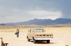 Girls Like Cars >> The old manilla colored Ford truck. No girls LIKE truck, too. Old Ford Trucks, Pickup Trucks, Jeep Pickup, Diesel Trucks, Pick Up, F100, Roger Deakins, Old Pickup, Movie Shots