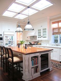 Light Filled Bayshores Home Part II - Classic Casual Home Kitchen Redo, Rustic Kitchen, New Kitchen, Kitchen Remodel, Kitchen Design, Kitchen Island, Kitchen Cabinets, Casas Country, Scandinavian Kitchen