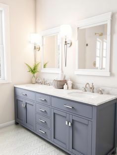 Bathroom decor for your bathroom remodel. Discover master bathroom organization, master bathroom decor tips, master bathroom tile a few ideas, bathroom paint colors, and much more. Small Tub, Small Bathroom, Master Bathroom, Bathroom Ideas, Bathroom Organization, Bathroom Canvas, Ikea Bathroom, Bathroom Green, Condo Bathroom
