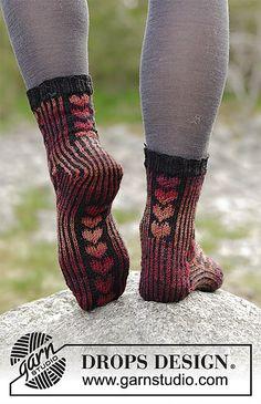 Ravelry: Queen of Hearts Socks pattern by DROPS design Crochet Socks, Knitting Socks, Knit Crochet, Knit Socks, My Socks, Cool Socks, Drops Design, Knitting Patterns Free, Free Knitting