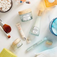 It's time pamper your pores! From now until 1/22 get 25% off select @benefitcosmetics skincare products including their Total Moisture Facial Cream Firm it Up! Eye Serum Puff Off! and more! Click link in bio to shop now