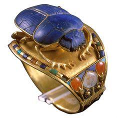 Bracelet of Tutankhamun with Scarab. Gold, Lapiz Lazuli, carnelian, turquoise, quartzite. New Kingdom:  18TH Dynasty