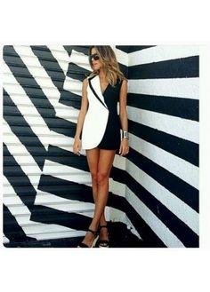 1072 Siyah Beyaz Ceket Elbise