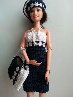 vêtement poupée mannequin Barbie (222)