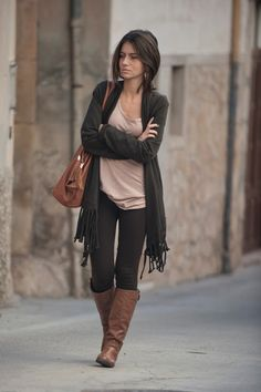 fringe cardigan, black legging and brown boots outfit bmodish