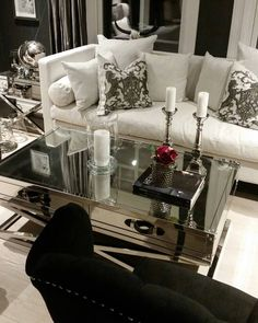 En fin onsdag til dere alle   #sanfranciscosidebord #sanfranciscosalongbord140 #globus #Fioripute #Louisvingestolsortvelour fra @classicliving  #classicliving #møbler #interiør #Stuemøbel #glammøbler #glam #stue #salongbord #steel #stål #stålmøbler #interiorandhome #interiorforyou #interiordesign #interior123 #homedecor #homefashion #interior #interiør #home #furniture