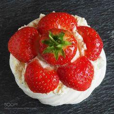 Strwaberry meringue