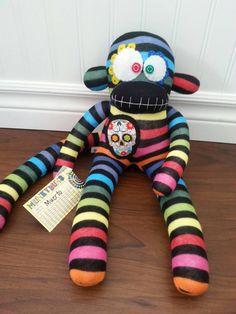 Mono de calcetín de calavera de azúcar del por MunkybunsSockMonkeys