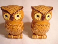 Vintage... Ceramic....Lg. Golden Owls....Salt & Pepper Shakers...Japan