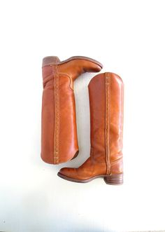 I had a pair of these!!! LOVED them!   Vintage Dingo Boots / 1970s Boots / Whiskey Brown Leather