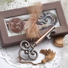 Apribottiglia a chiave antica in bronzo