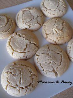 J'en reprendrai bien un bout...: Macarons de Nancy. +